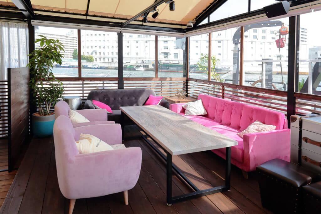 ピンクがかわいい女子会シート