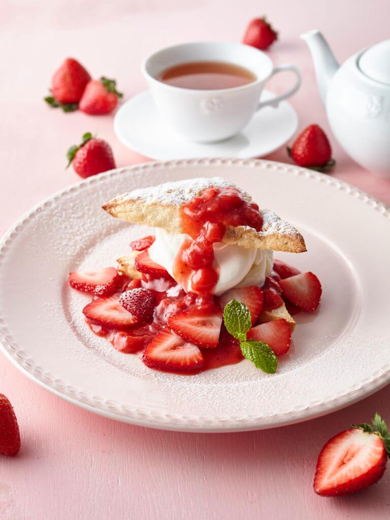 「苺のスコーンショートケーキ」