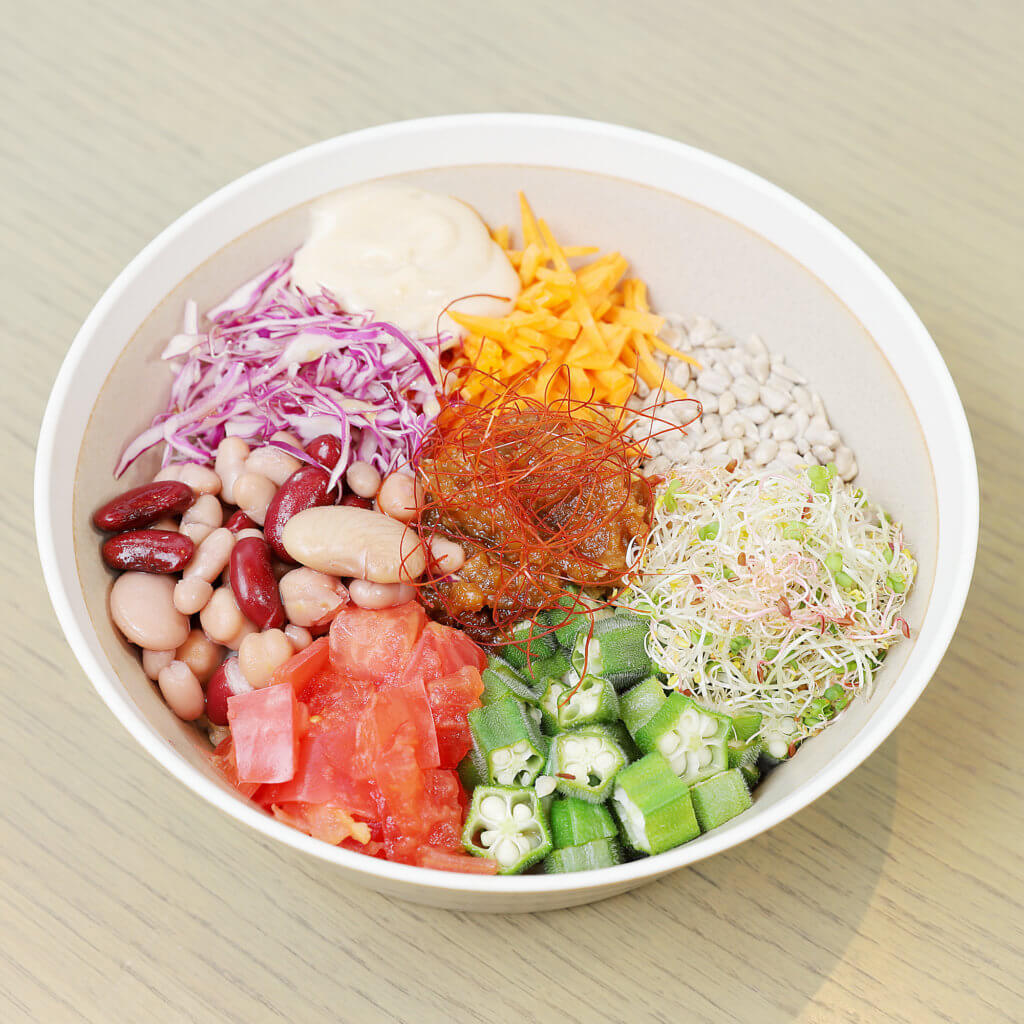 畑の肉味噌と7種のサラダライスボウル 1,180円(税別)