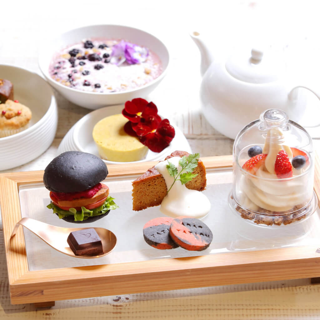 BEAUTY SWEETS AFTERNOON TEA SET 1,680円(税別)~