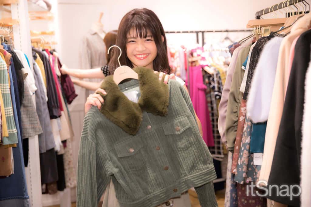 襟ボアコーデュロイジャケット¥11,900(税抜)/dazzlin