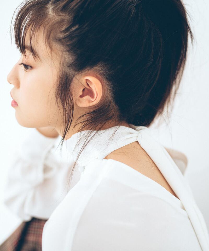 「今田美桜さんコラボ 2WAYボウタイブラウス」¥3,900(税別)