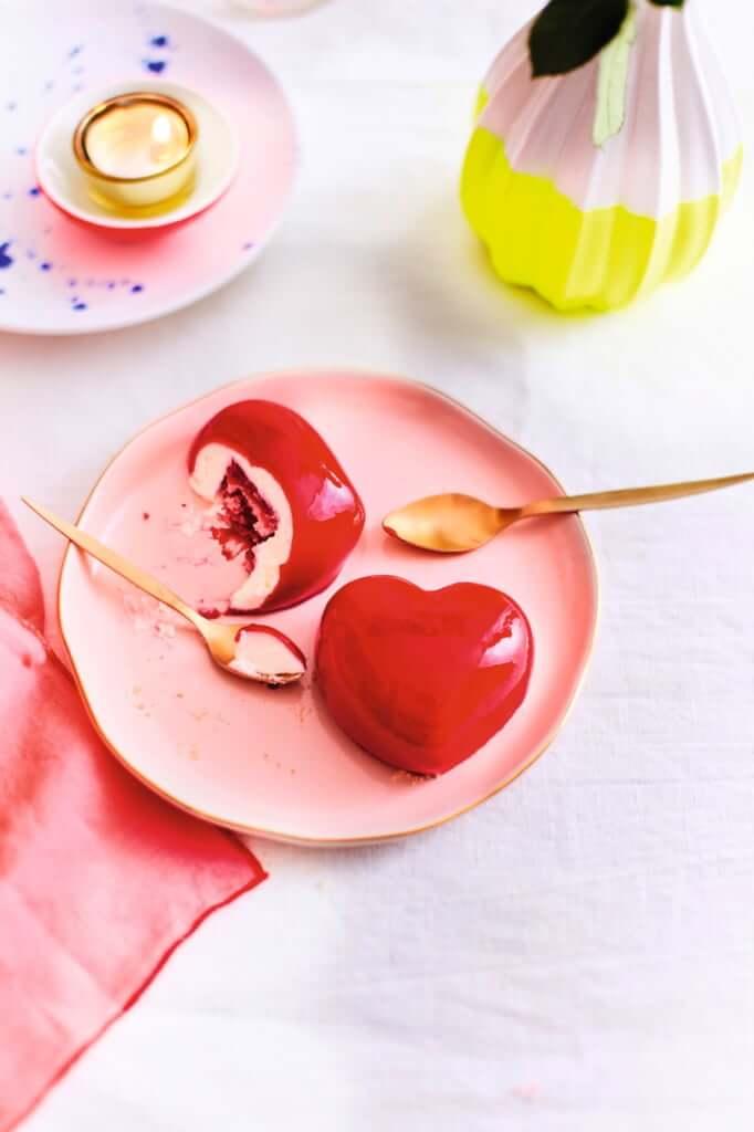 〈新商品〉「フランボワーズのハートのデザート、レモンクリーム入り」150g2個入り 980円(税別) ※2月初旬発売予定