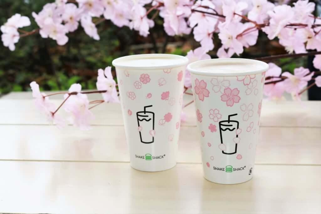 「シャクラシェイク チェリー&桜」Small 540円(税別) 、Regular 710円(税別)