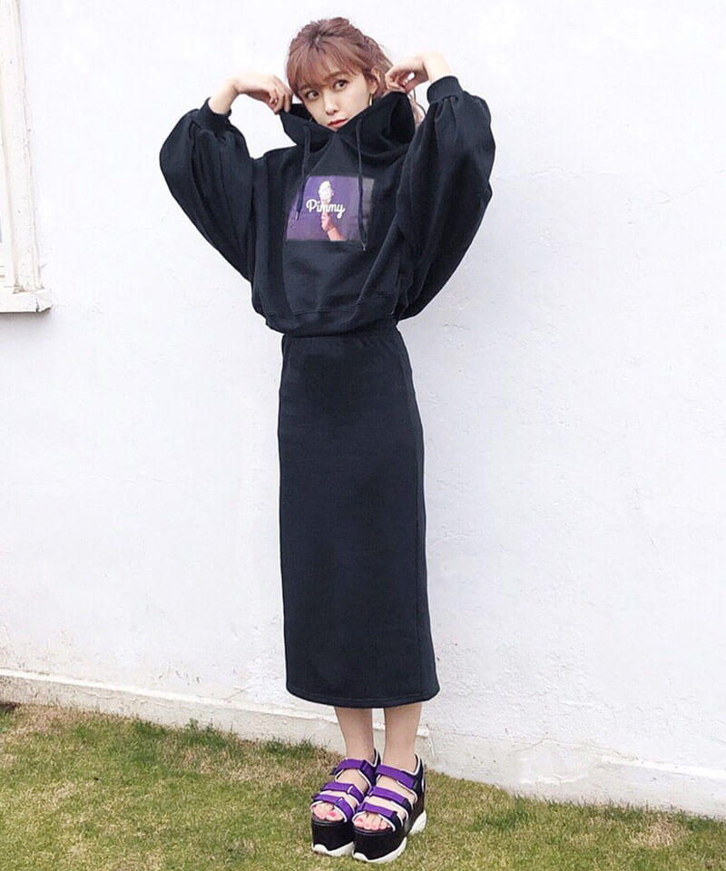 「スウェットタイトスカート」 4,860円(税込)