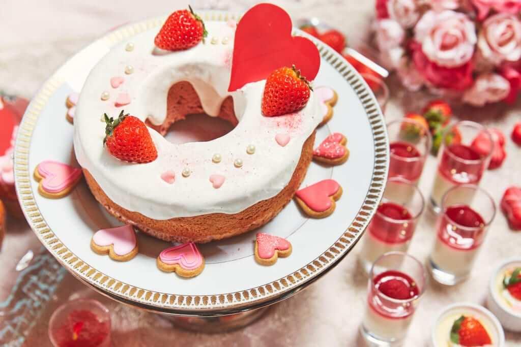 いちごの丸いケーキ