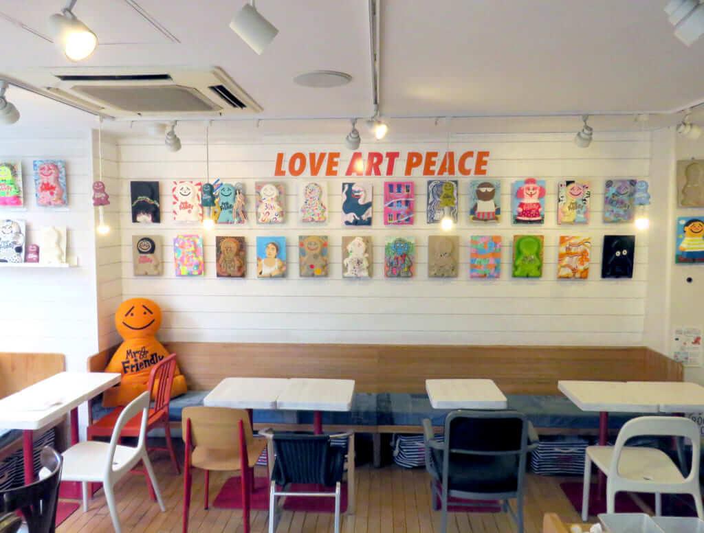 MR.FRIENDLY Cafe(ミスター・フレンドリー カフェ)の内観