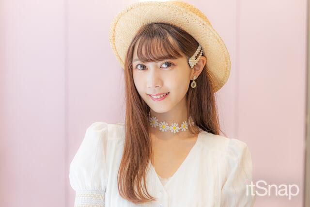 モデル、ライバー 綾城花菜サン・24歳