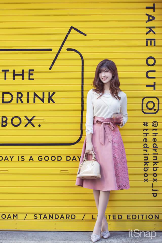 門脇伶奈がTHE DRINK BOX.(ザ ドリンク ボックス)
