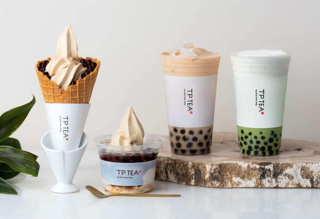 左から:タピオカミルクティーソフトクリーム カップ/コーン ¥530 /550(税抜き)、大粒タピオカミルクティー¥550(税抜き)、タピオカ抹茶ラテ¥550(税抜き)
