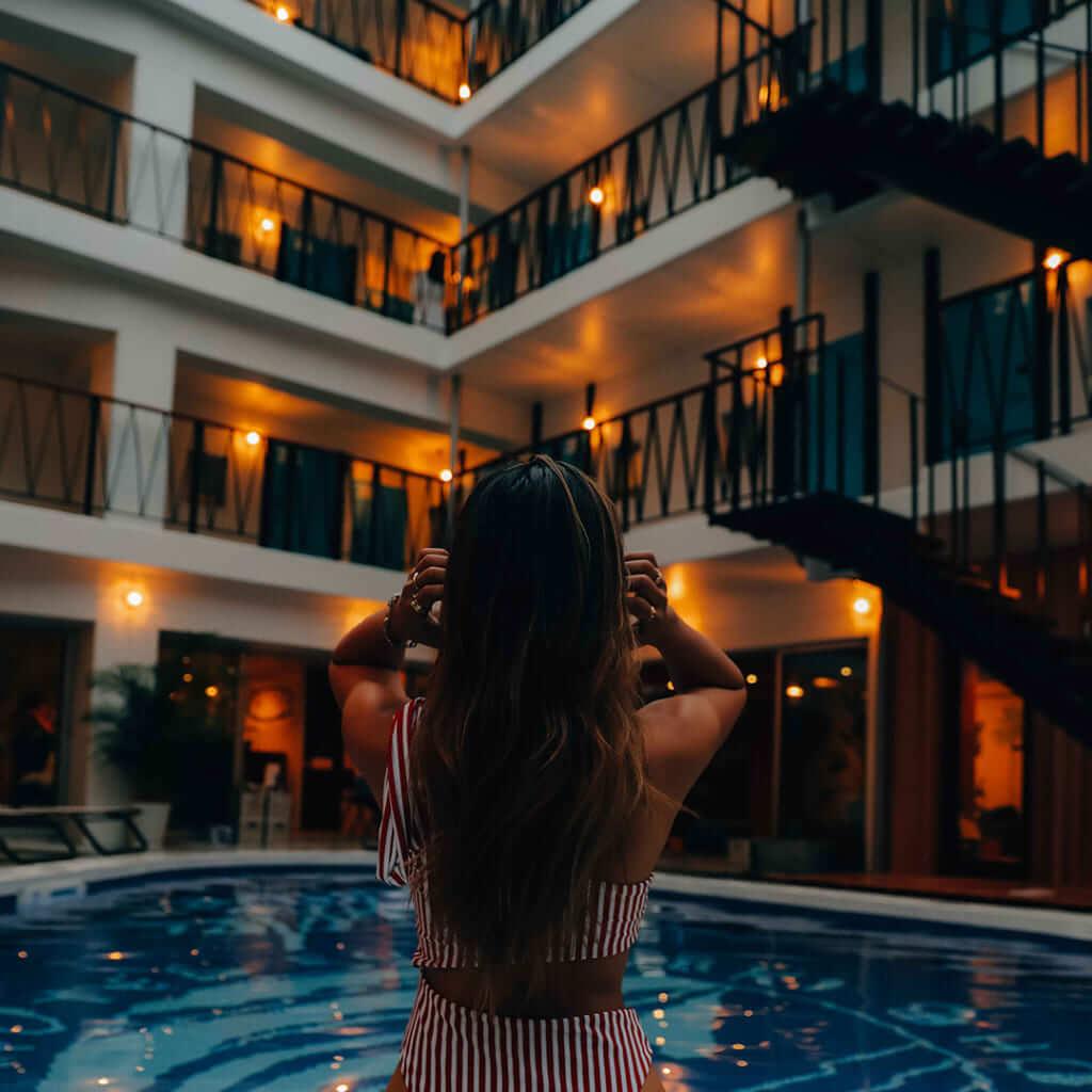 8ホテル夜
