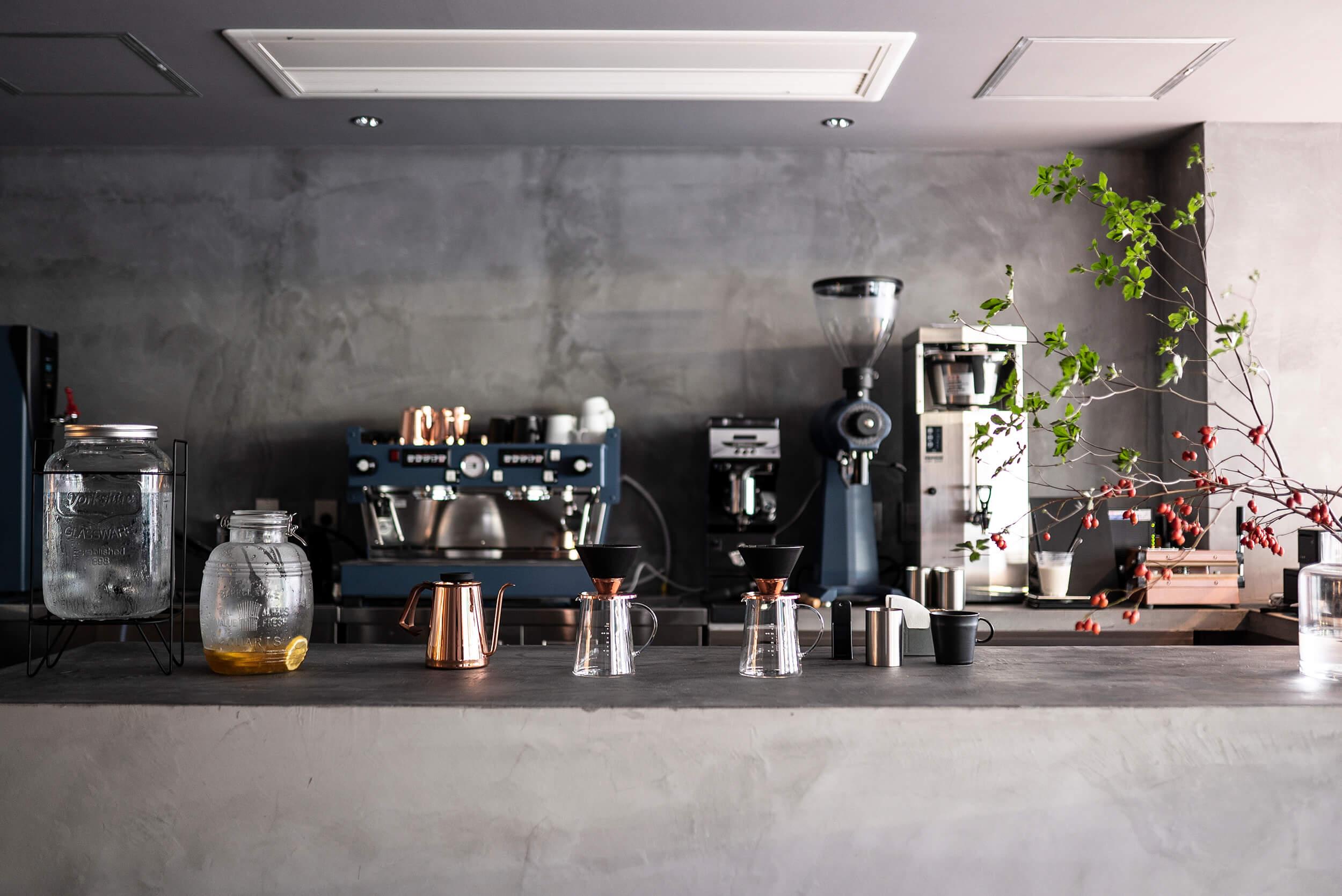 Beasty Coffee [cafe laboratory](ビースティーコーヒー カフェラボラトリー)の店内のカウンター