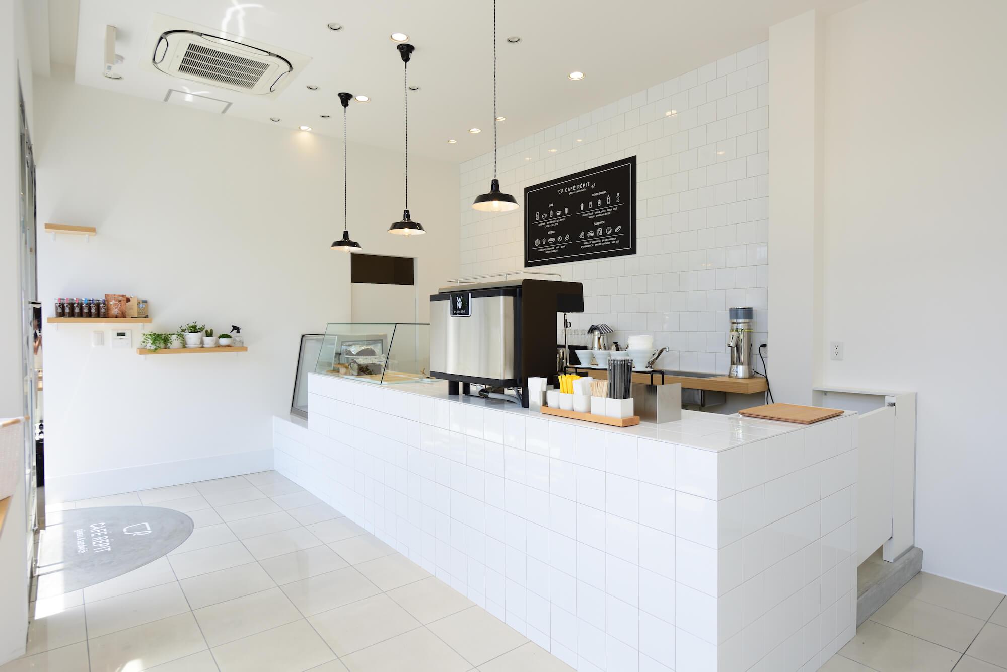 CAFÉ RÉPIT (カフェレピ)の店内