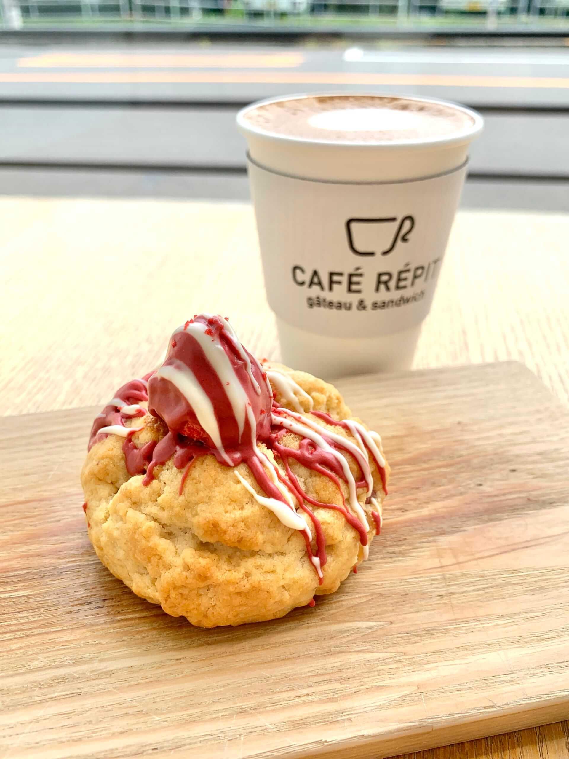 CAFÉ RÉPIT (カフェレピ)のケーク・スコーン 苺みるく・チョコ/¥360(税抜き)