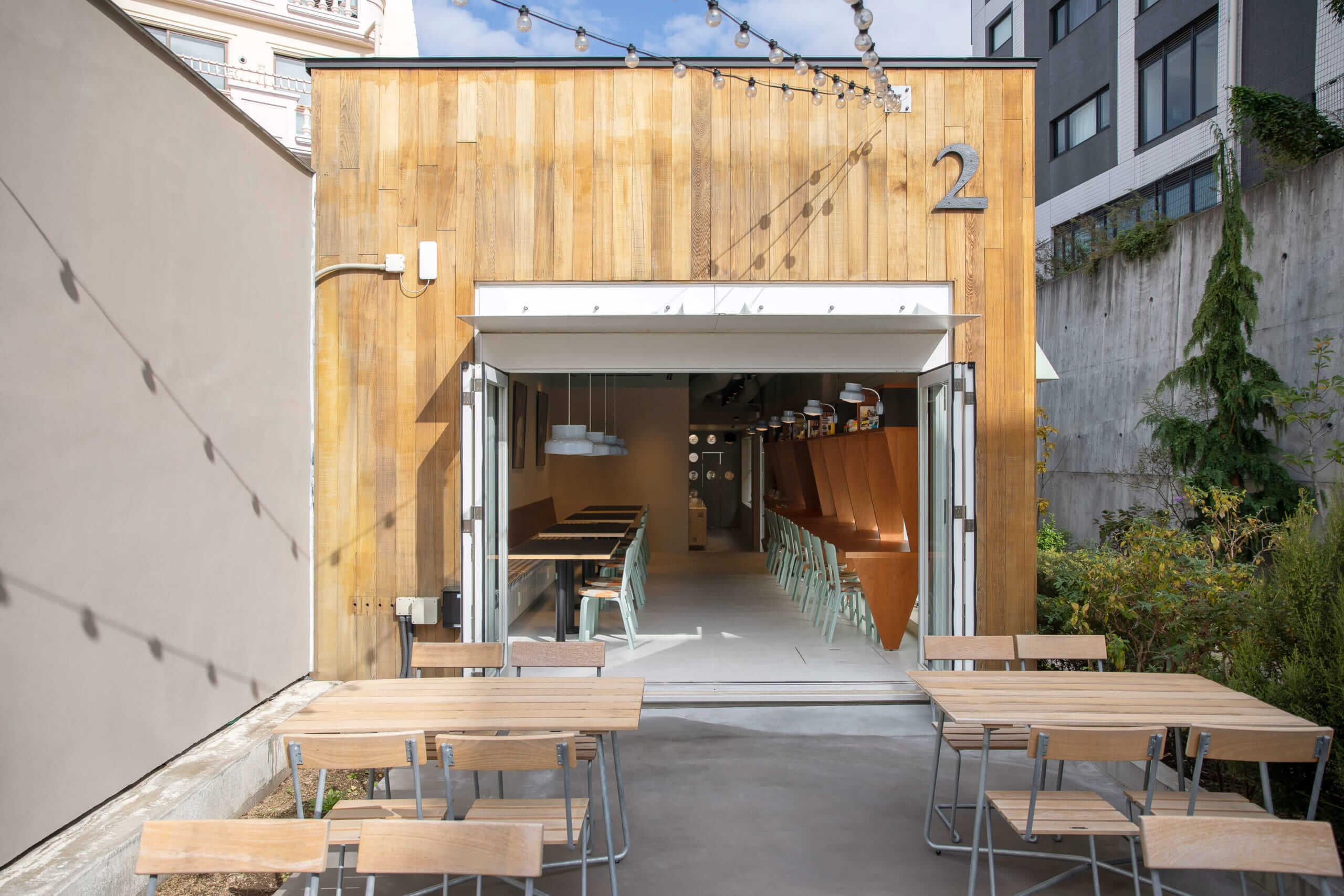 SNS CAFÉ TOKYOのテラス席