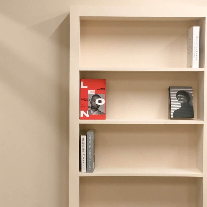 Cafe Dodam(カフェドダム)の本棚