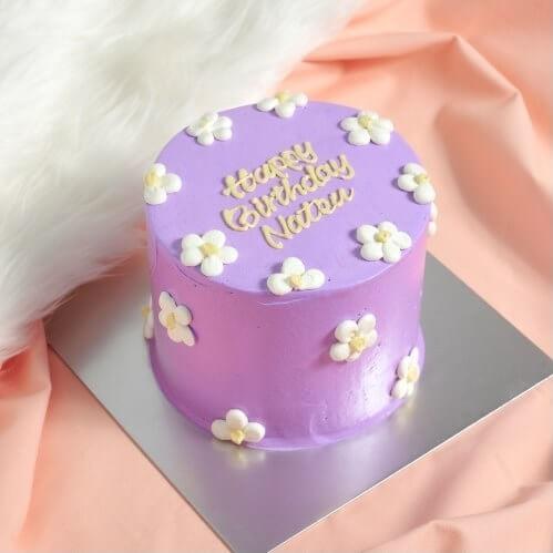 原宿「MARINE HOUSE(マリーンハウス)」の紫フラワーケーキ4号(高さ9cm)/¥5,280(税込み)