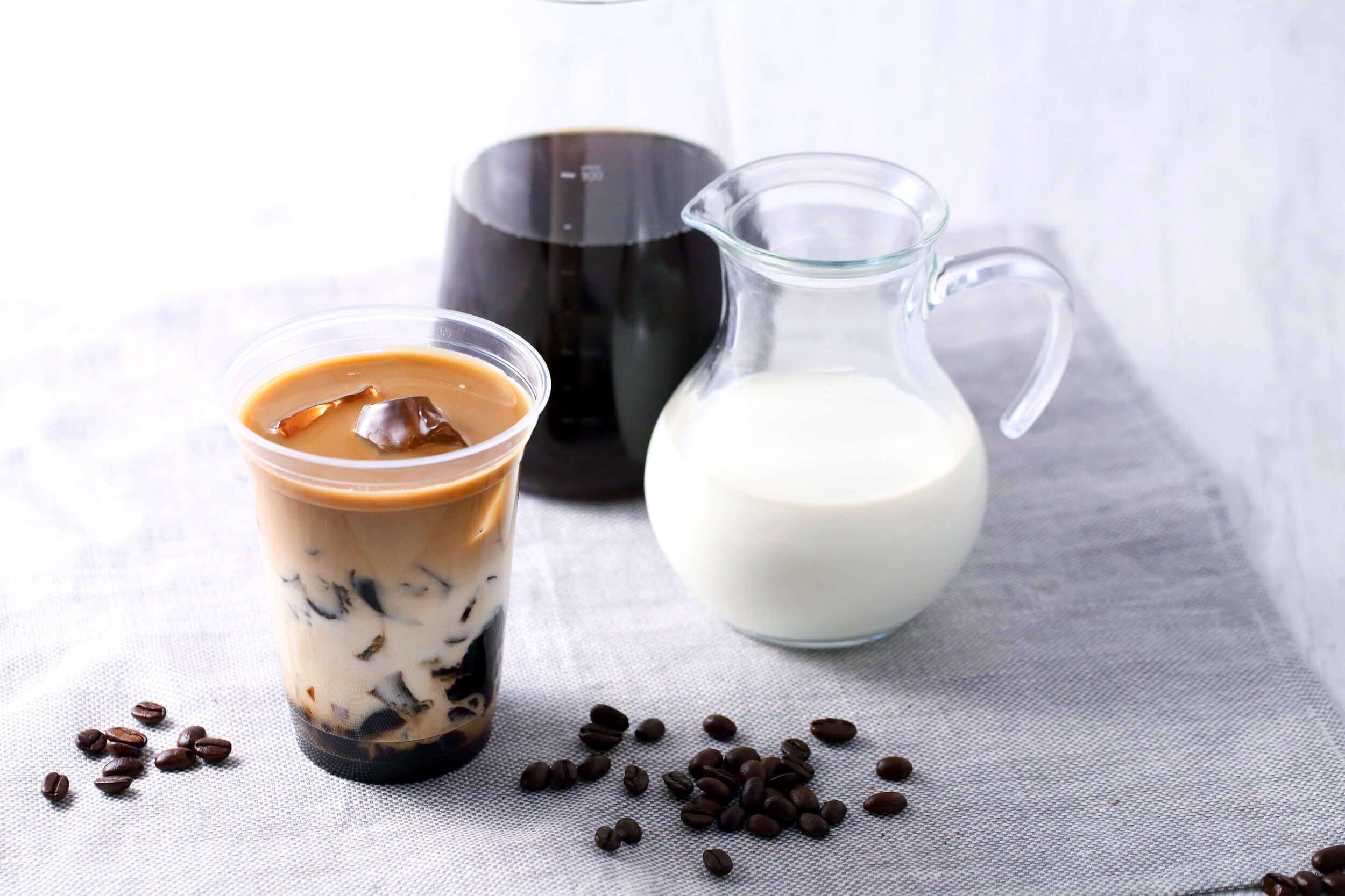Scrop COFFEE ROASTERS(スクロップ コーヒー ロースターズ )のコーヒーゼリーカフェオレ/¥550(税込み)