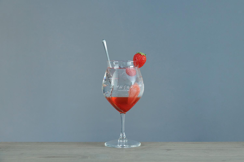 「プルミエメ(PREMIER MAI)」季節のヴィネガー/ソーダ・ミルク・水・お湯/¥800(税込み)