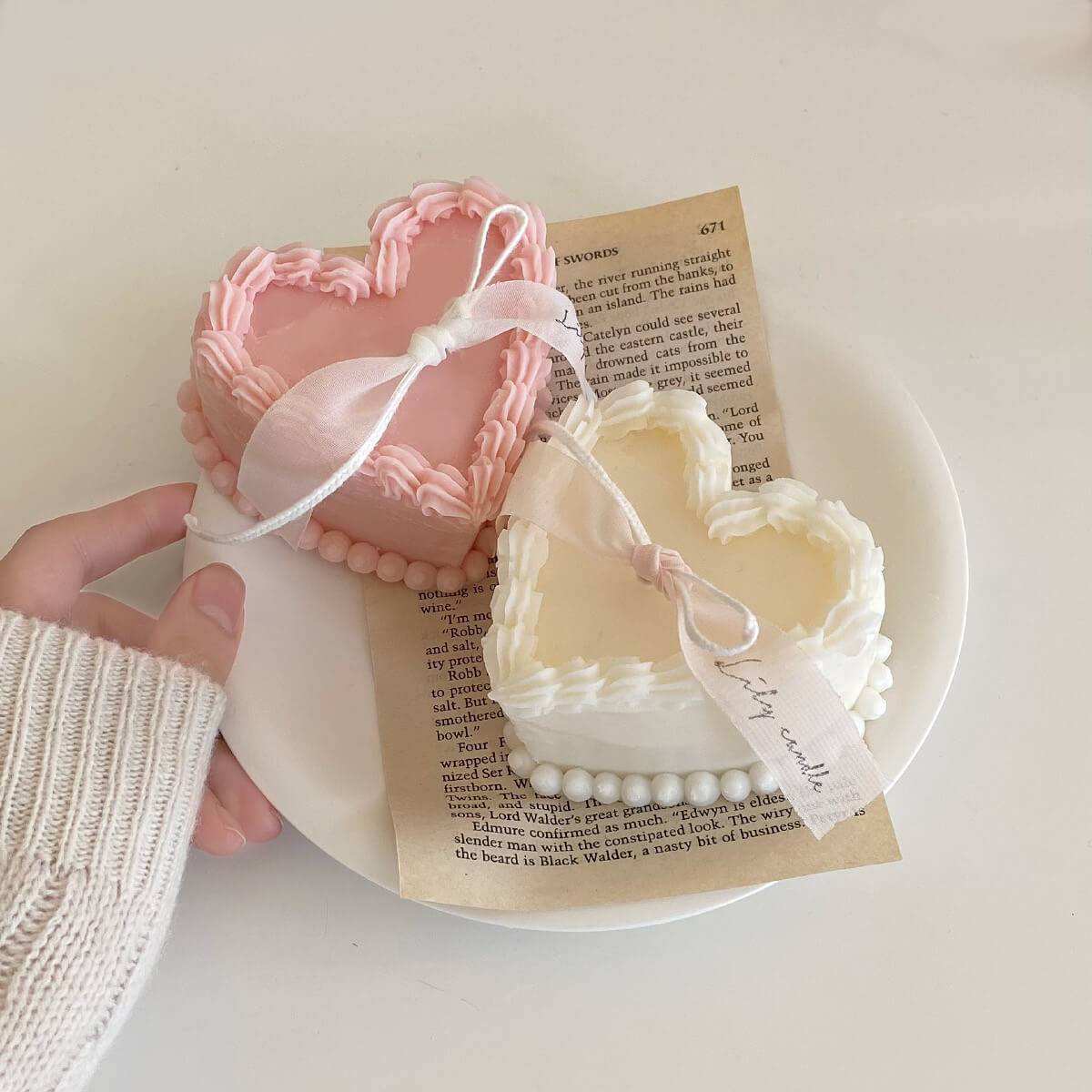 Lily candle(リリーキャンドル)のheart lace cake candle/¥2,500(税込み)