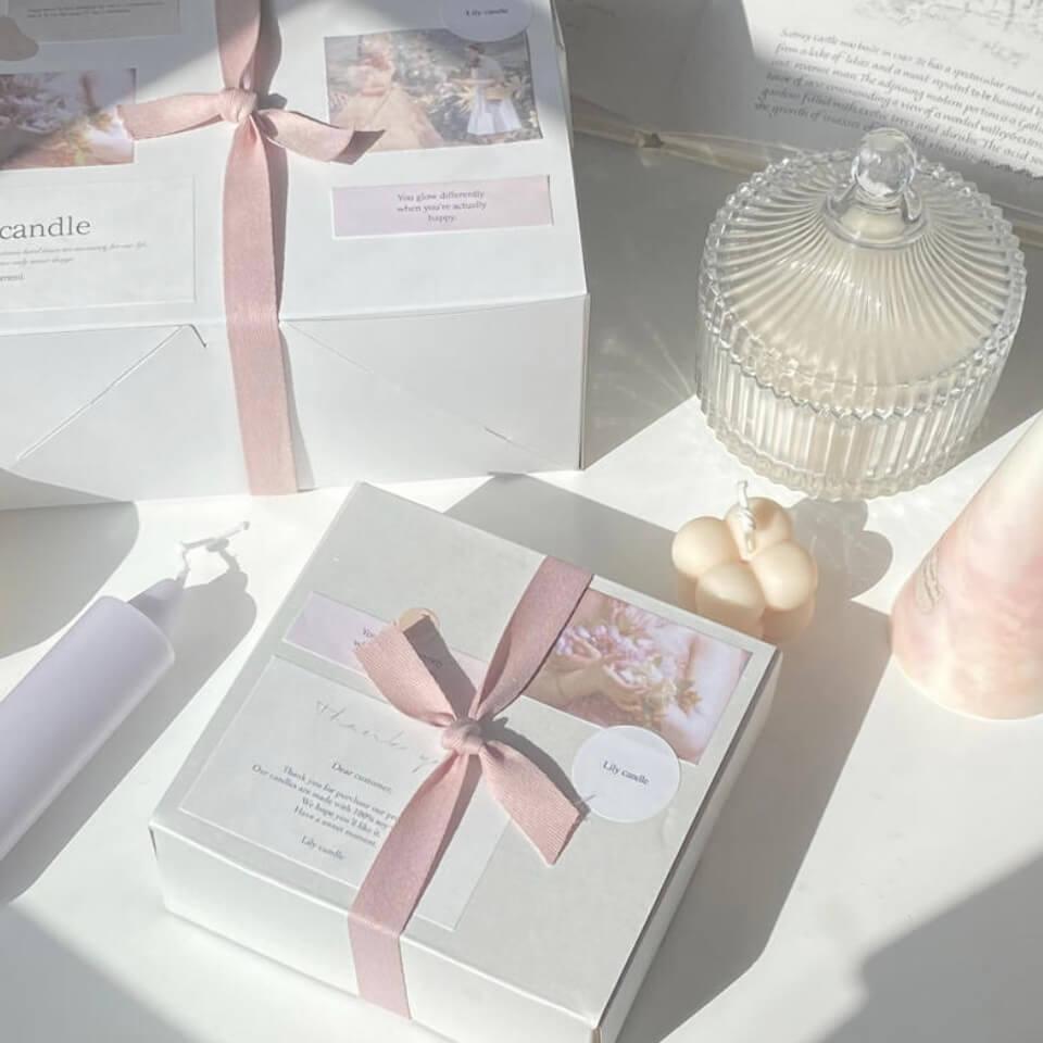 Lily candle(リリーキャンドル)のソイキャンドルの定期便 - daily -/¥1,980、- ordinal days -/¥2,600、- holiday -/¥4,980 (すべて税込み)