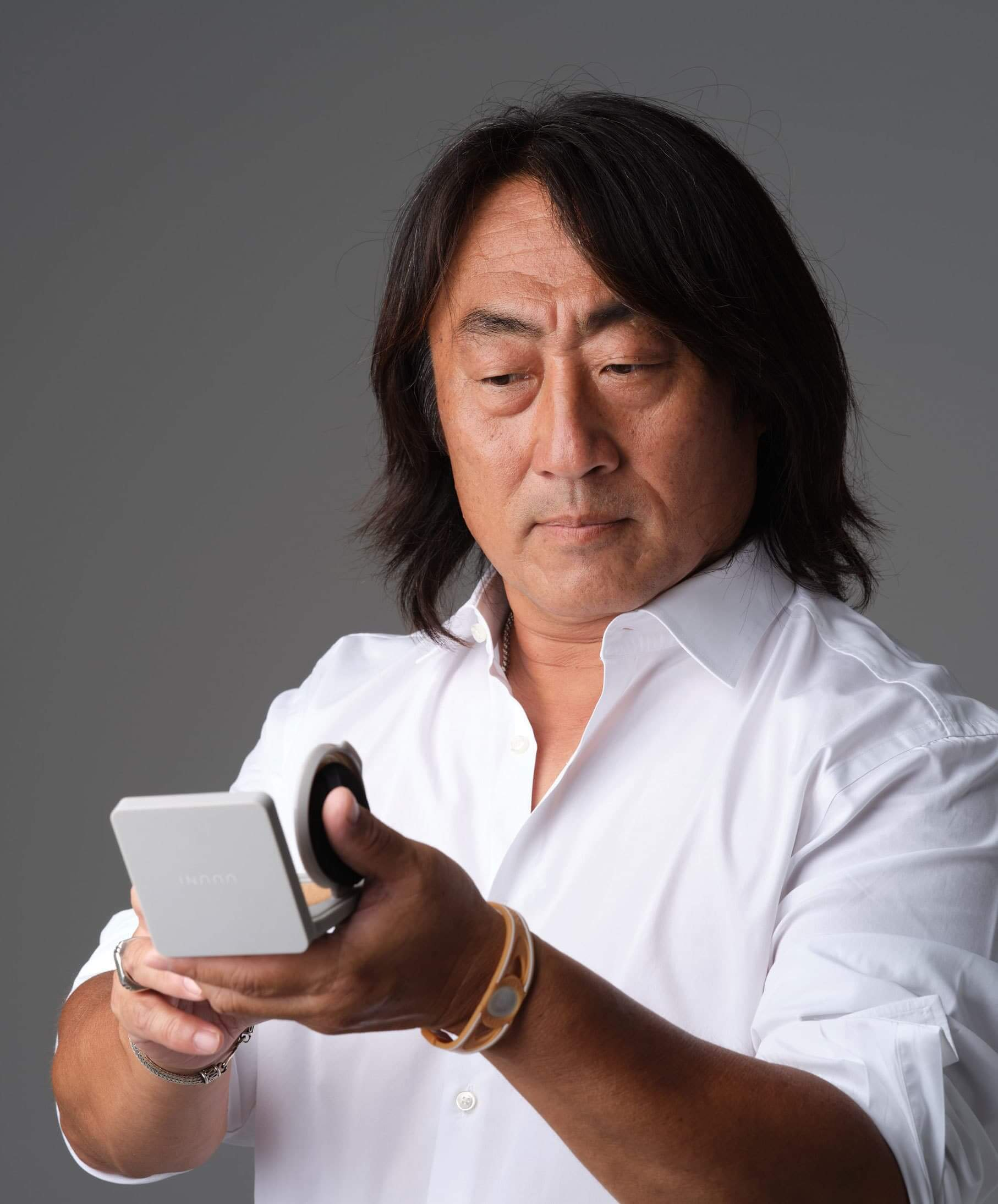 アメイクアップアーティストの中嶋竜司